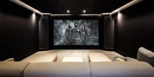 Dark-Knight-cinema-7-1000x500